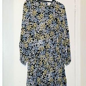 H&M FLAIR CUT FLORAL DRESS WITH HEMLINE RUFFLE DET
